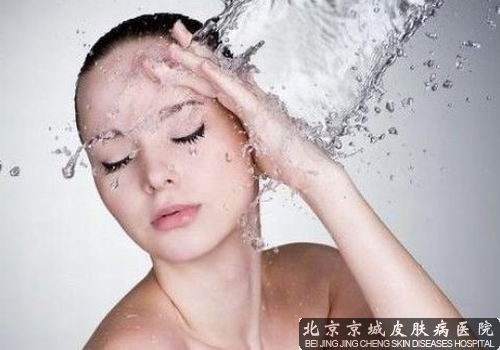 面部干燥起皮怎么办